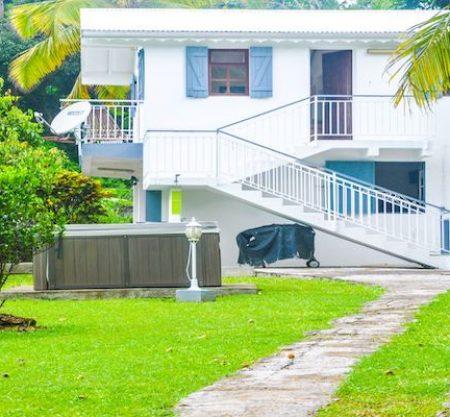 Un large choix d'hébergements et locations de voitures pour un séjour sur mesure en Guadeloupe. Profitez de nos nombreuses activités, excursions et visites.